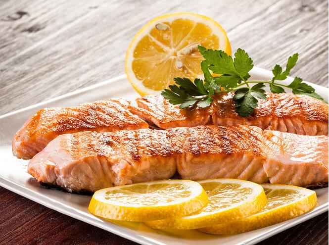 лосось с лимоном на гриле