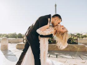 поцелуй свадьба