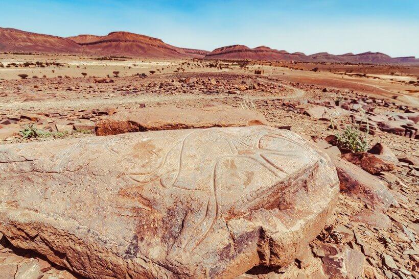 Наскальные рисунки в Атласских горах марокко