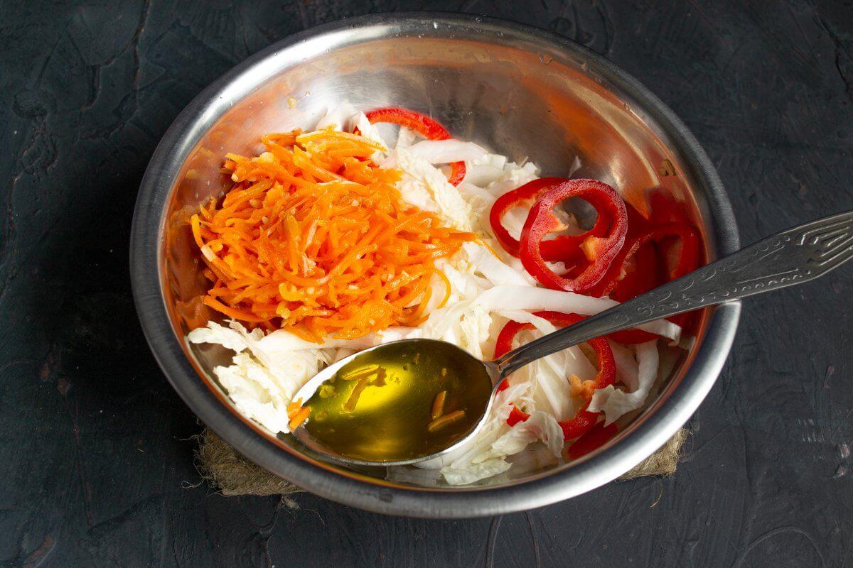 теплый салат с курицей в восточном стиле