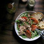салат панцанелла с тунцом