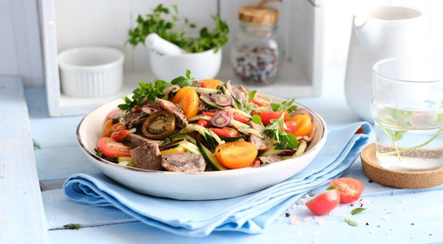 Мясной шопский салат