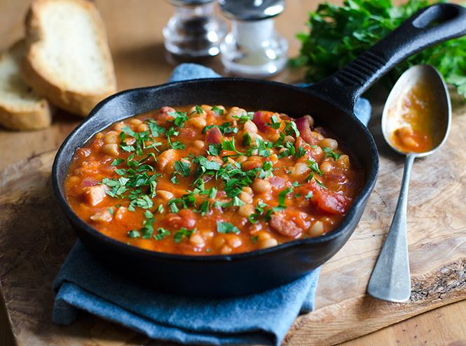 Бобы в арахисовом масле и томатном соусе