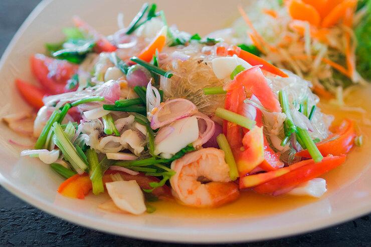 Рецепт салата с креветками по — тайски