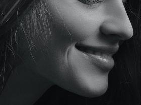 девушка губы