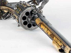 Револьвер Стоплера