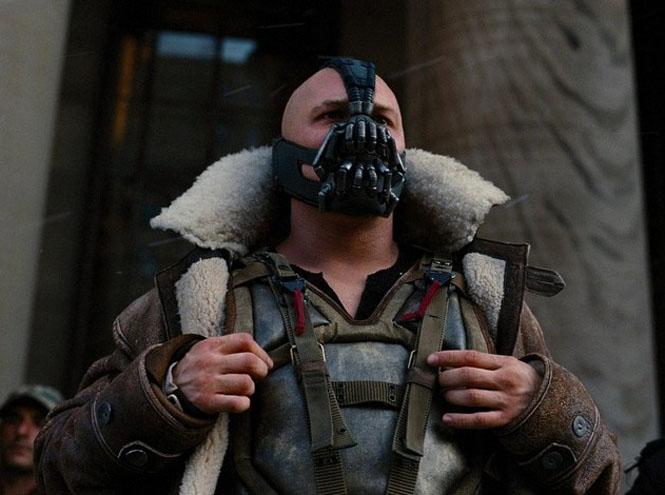Том Харди в роли злодея Бэйна в фильме «Темный рыцарь: Возрождение легенды».
