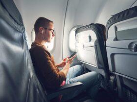 самолет смартфон