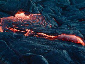 вулкан лава