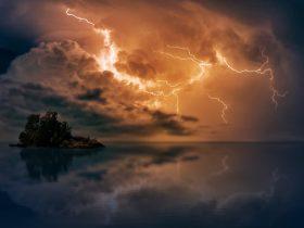 шторм молния