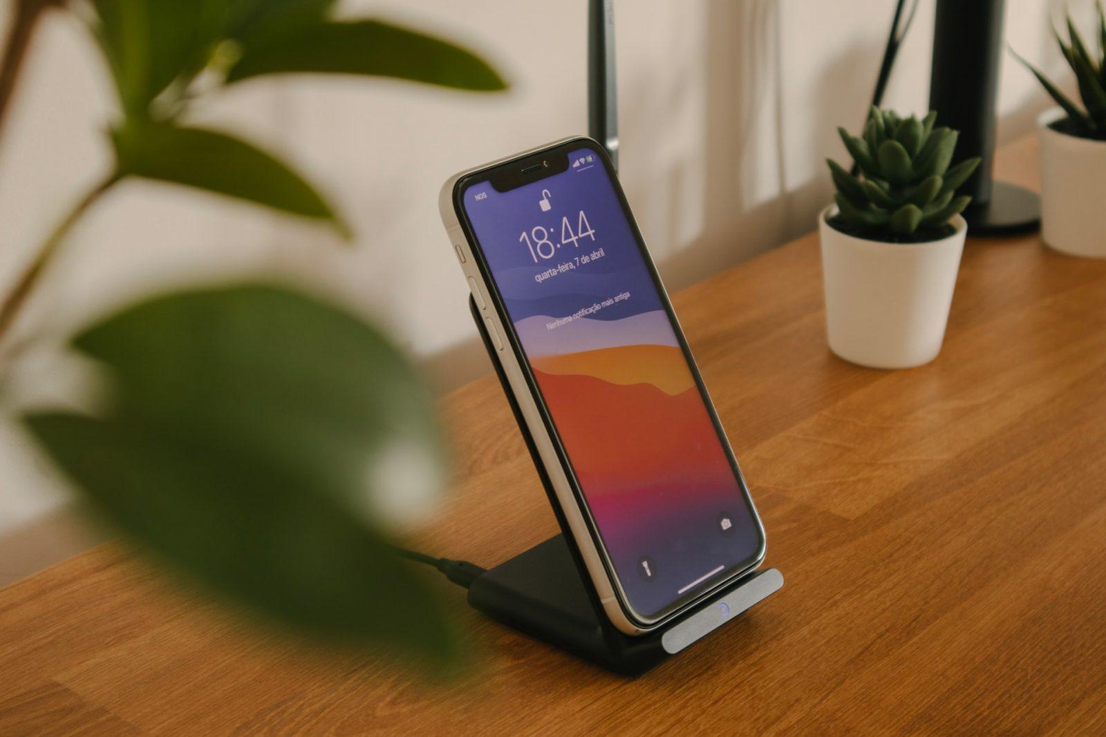 зарядка смартфон