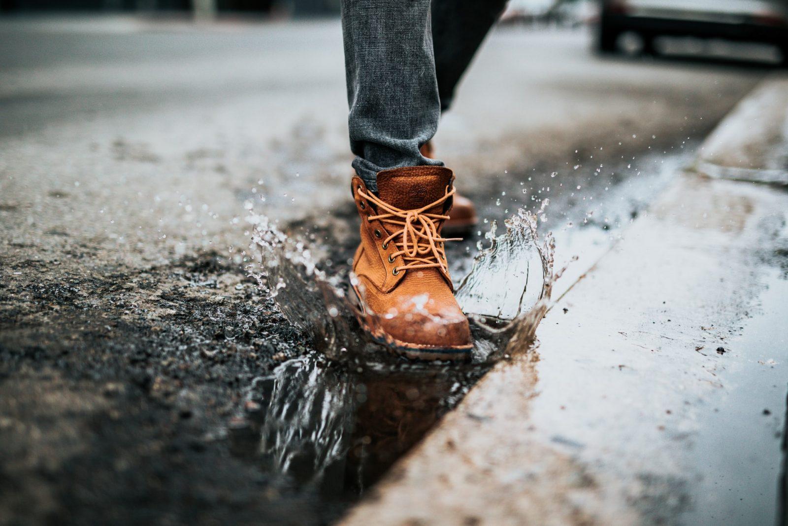 дождь лужа осень обувь