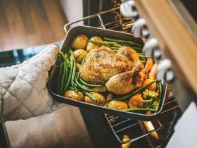 жареная курица в духовке